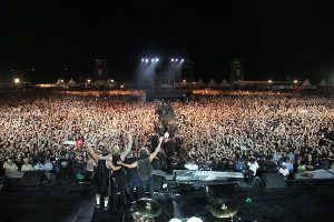Metallica in Bangalore picture of the crowd