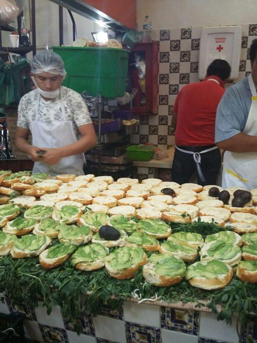 preparation of semitas poblanas in Puebla