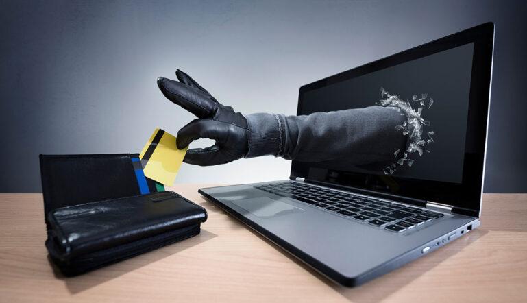 cobros ocultos en línea